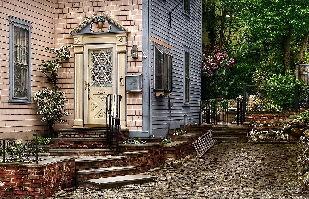 A classic touch of Colonial by Mike  Savad