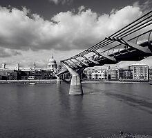 Millenium Bridge by deejaypow