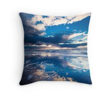 extreme sunset reflections  Throw Pillow