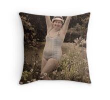 BIG MAMMA Throw Pillow
