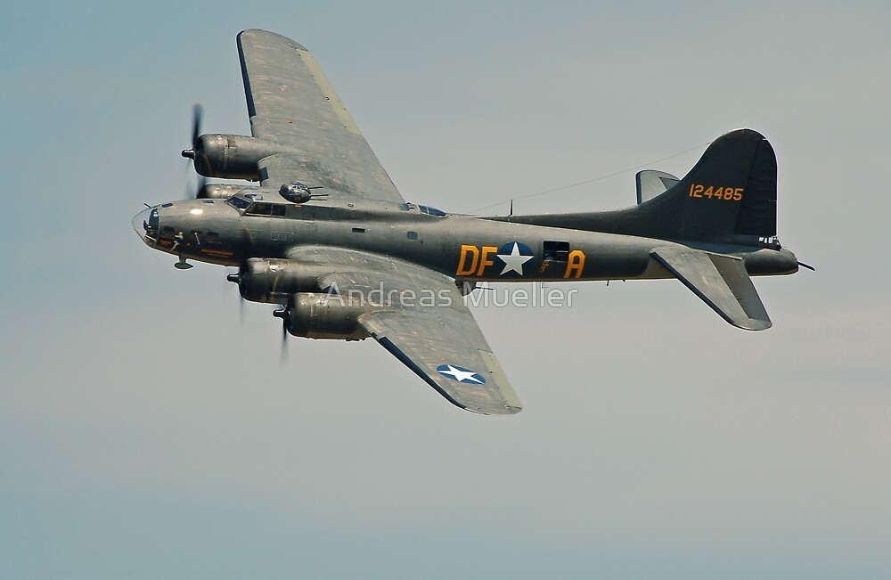 B-17 Memphis Belle replica flyby by Andreas Mueller