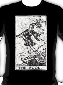 The Fool Tarot Card - Major Arcana - fortune telling - occult T-Shirt