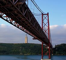 25 De Abril Bridge by Wrayzo