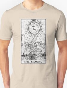 The Moon Tarot Card - Major Arcana - fortune telling - occult T-Shirt