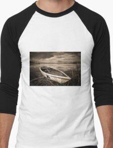 Abandoned Boat Men's Baseball ¾ T-Shirt