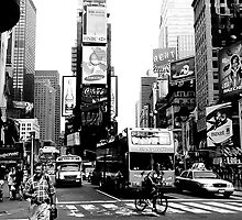 Busy City by DowntownPictures