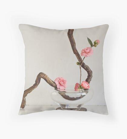 Ikebana-036 Throw Pillow