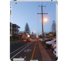 Iconic Hedges Avenue, Mermaid Beach iPad Case/Skin