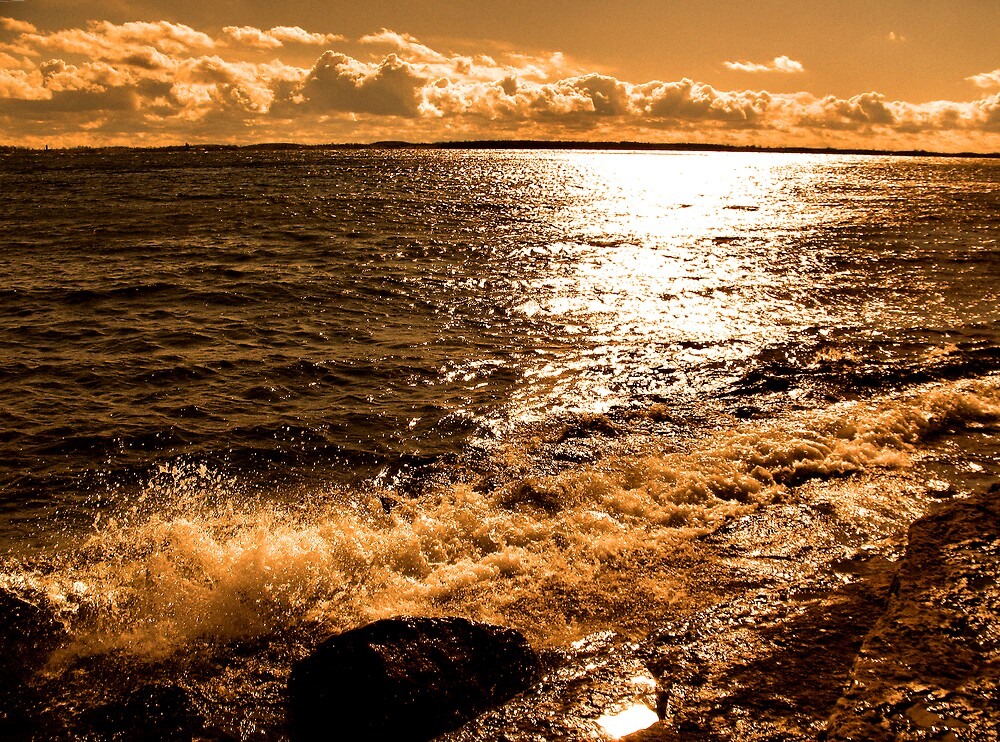 Lake Ontario by nikspix