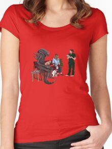 Alien Takes Jonesy to the Vet Women's Fitted Scoop T-Shirt