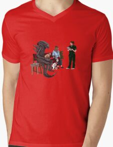 Alien Takes Jonesy to the Vet Mens V-Neck T-Shirt