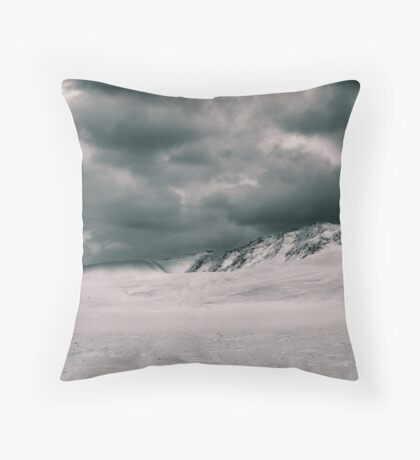 Storm over dune Throw Pillow