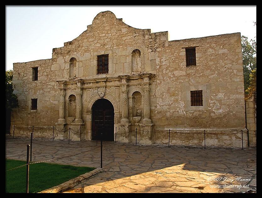 The Alamo by Jerry  Mumma