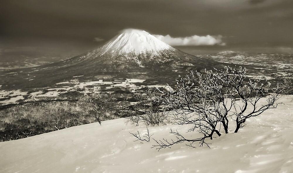 Yotei the Volcano by Robert Mullner