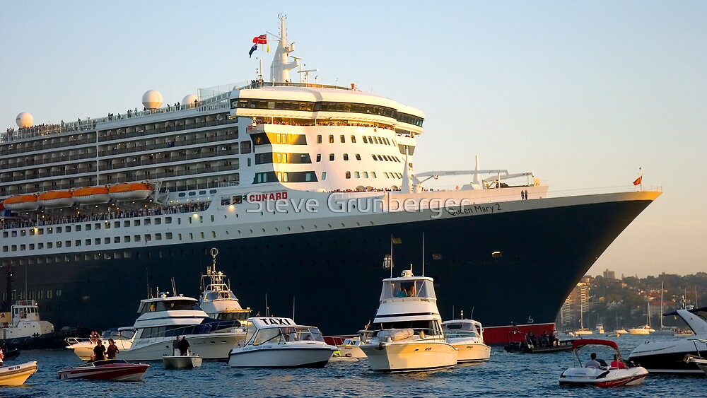 The Queen Mary II by Steve Grunberger