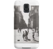 People are walking in Roma, Italy Samsung Galaxy Case/Skin
