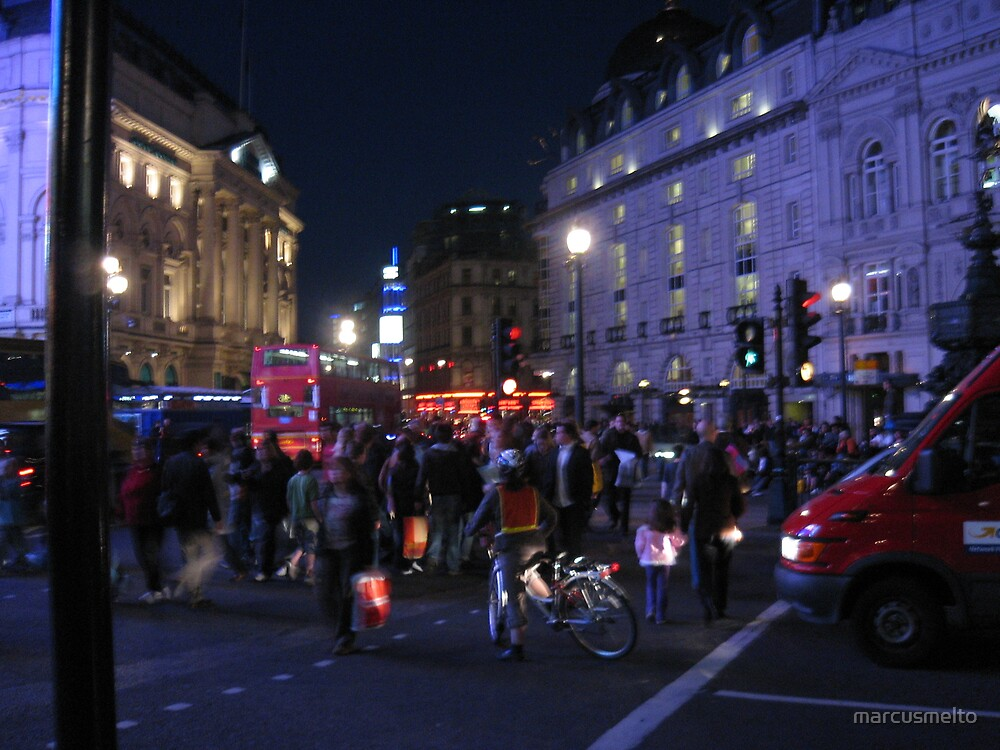 London bustle by marcusmelto