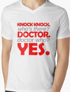Knock knock. Doctor Who. Mens V-Neck T-Shirt