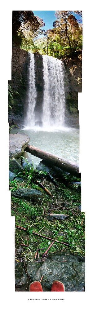 Hopetoun Falls - Nov 2007 by Jeff Moorfoot