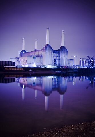 Battersea power station by Terence J Sullivan