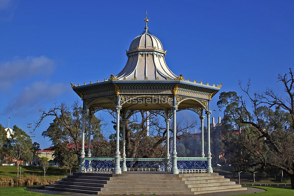 Rotunda / Bandstand. by Aussiebluey