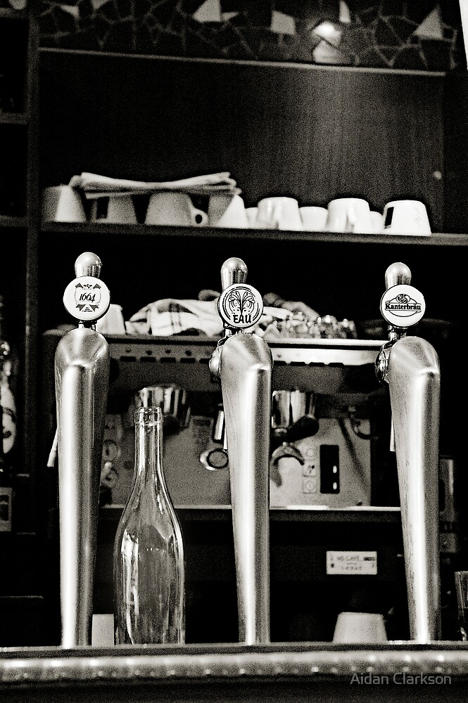 Le Bier, Le Café, L'Eau by Aidan Clarkson