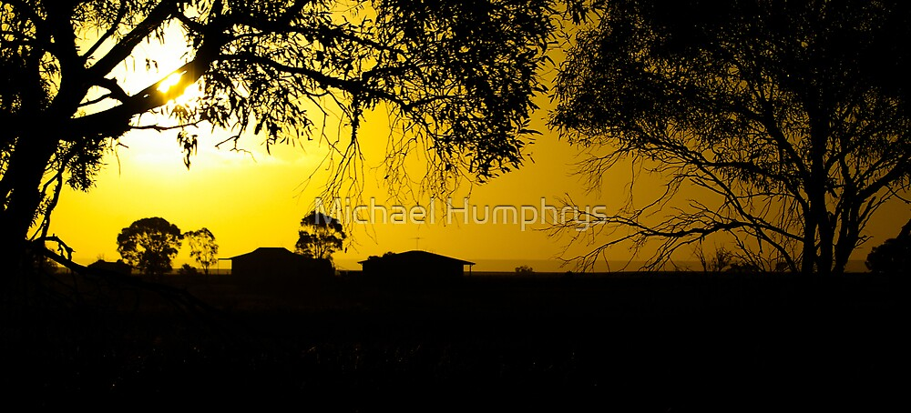 Sunset on the farm by Michael Humphrys