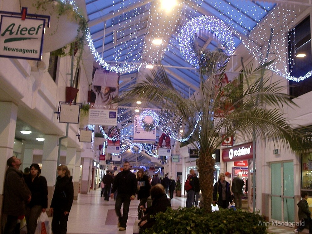 Xmas in town centre by Ann Macdonald