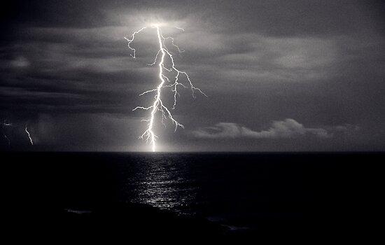 Dusk lightning over sea by Duncan Waldron