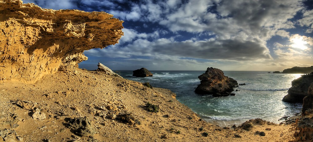 Sandstone Bay Pan by Robert Mullner