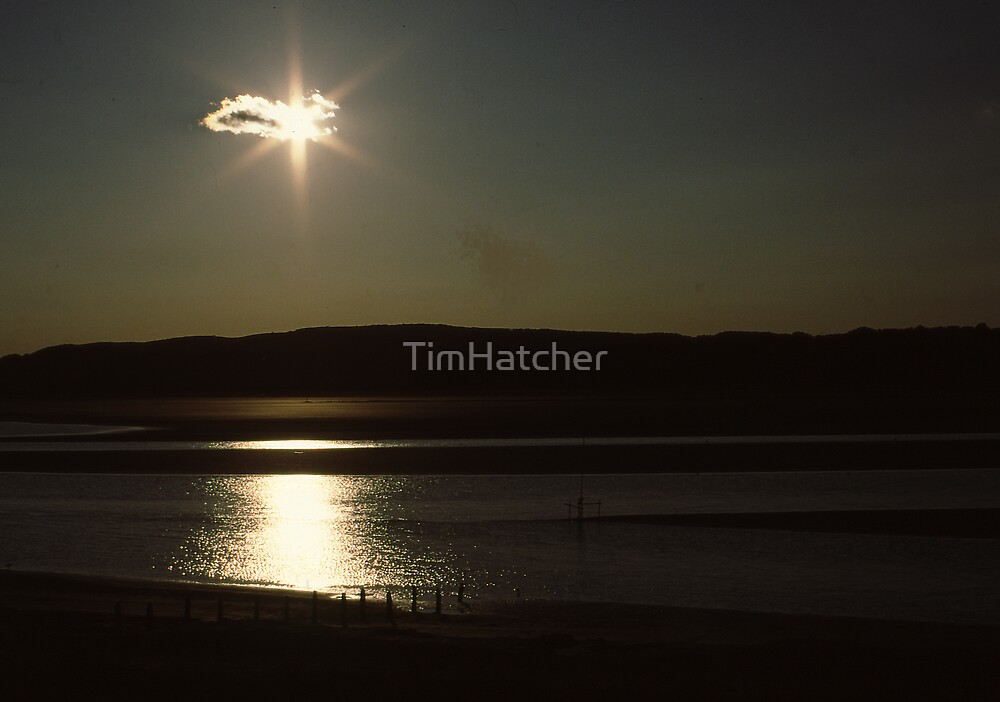Morecambe Moon Rise by TimHatcher