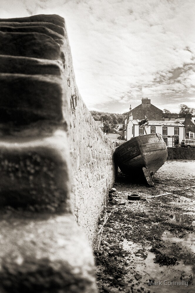 Port Bannatyne Boat 2 by Mark Connelly