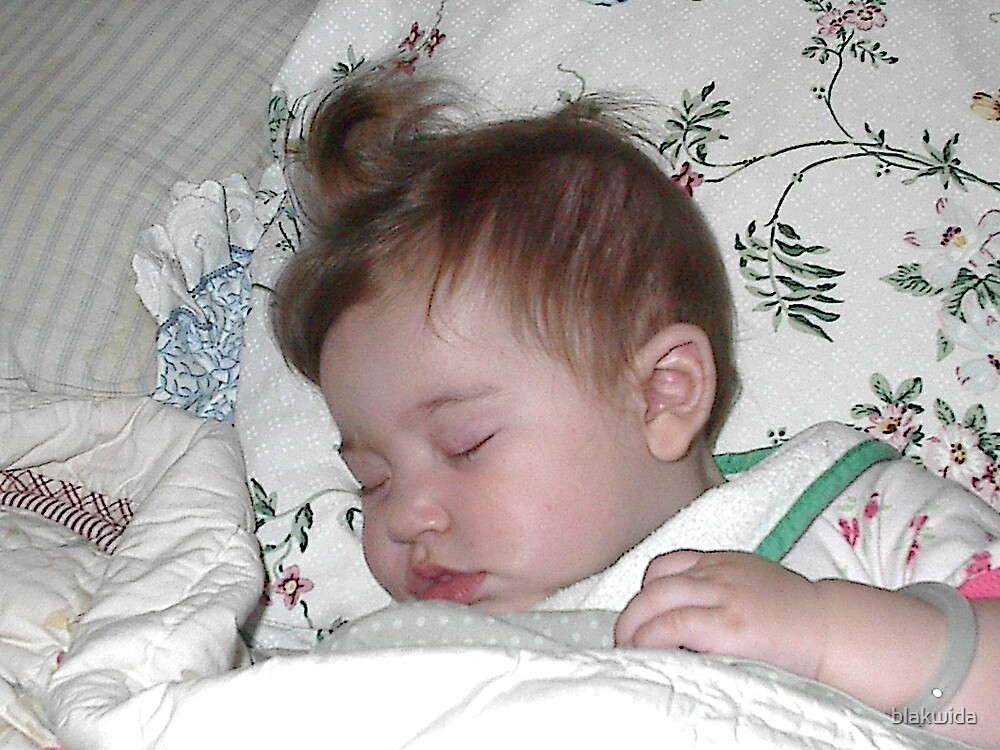 sleeping like a baby by blakwida