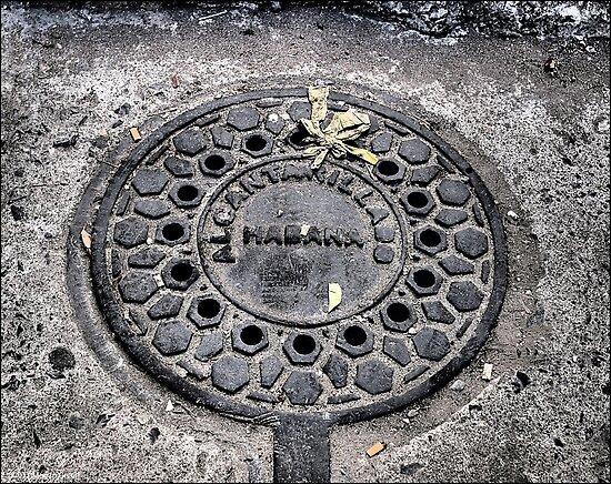 Manhole Cover, Havana by ponycargirl