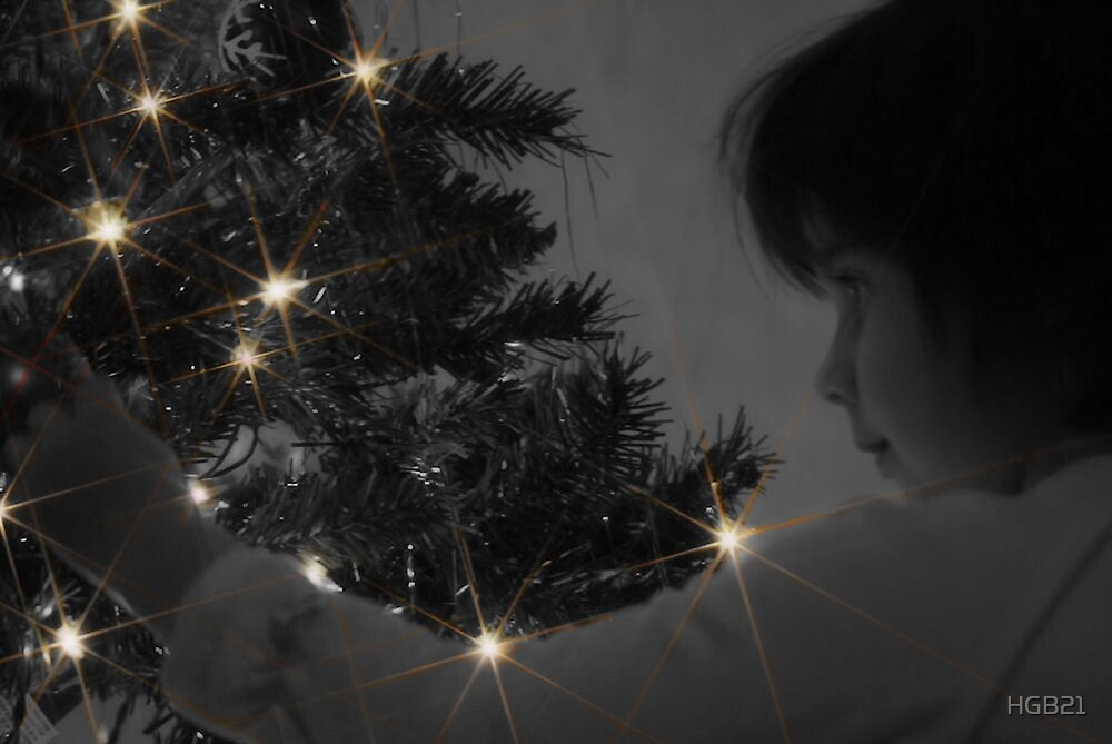 A Childs Glow at Christmas Time by HGB21