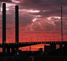 Sundown @ Bolte Bridge by whoalse