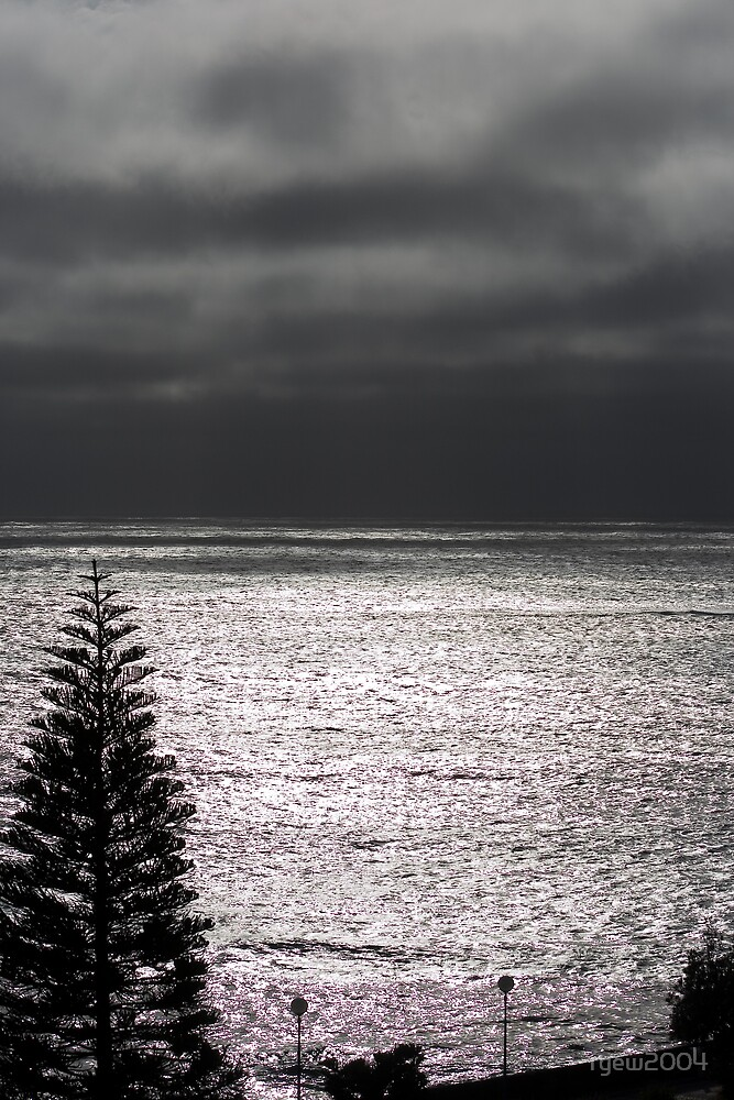 Coogee Bay by Greg Halliday