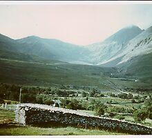 Hags Glen,Carrauntoohil. Ireland by Patrick Ronan