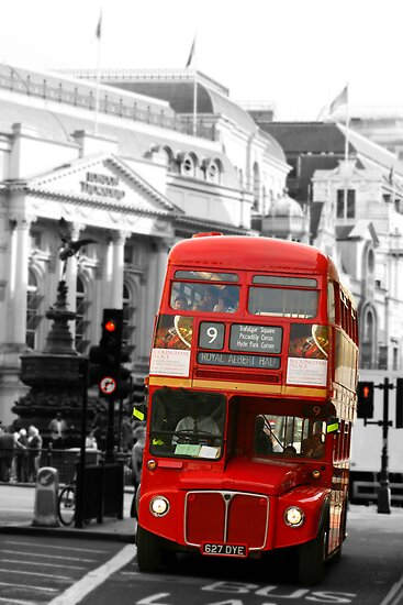 London Bus by armybangkok