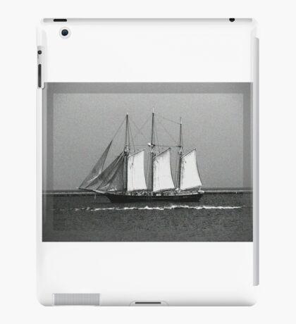 S/V Dennis Sullivan iPad Case/Skin