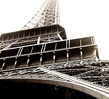 Eiffel Tower by Robert Worth