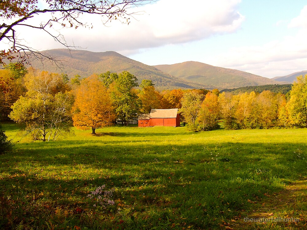 Red Barn in Fall Too by thewaterfallhunter