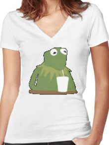 Kermit Shake Women's Fitted V-Neck T-Shirt