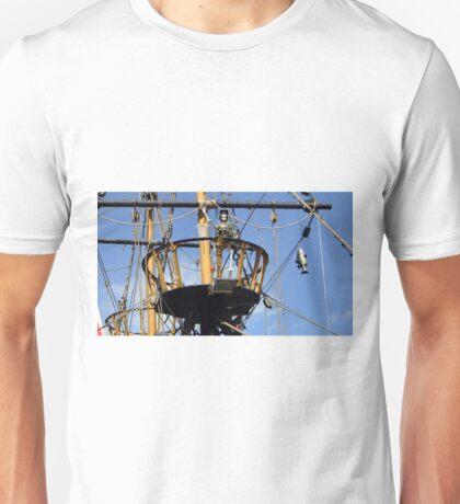 Golden Hind crow's nest Unisex T-Shirt