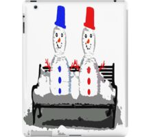 HOLDING HANDS iPad Case/Skin