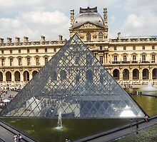 Musee Du Louvre, Paris 7 by John Velocci