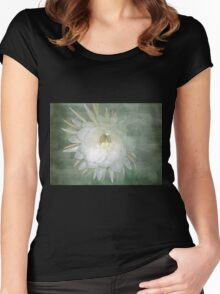 Epiphyllum oxypetallum - Queen Of The Night Cactus Women's Fitted Scoop T-Shirt