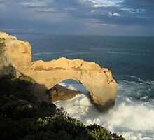 'The Arch' - Great Ocean Road by Liz Cooper