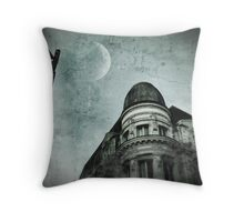 { moon rising } Throw Pillow
