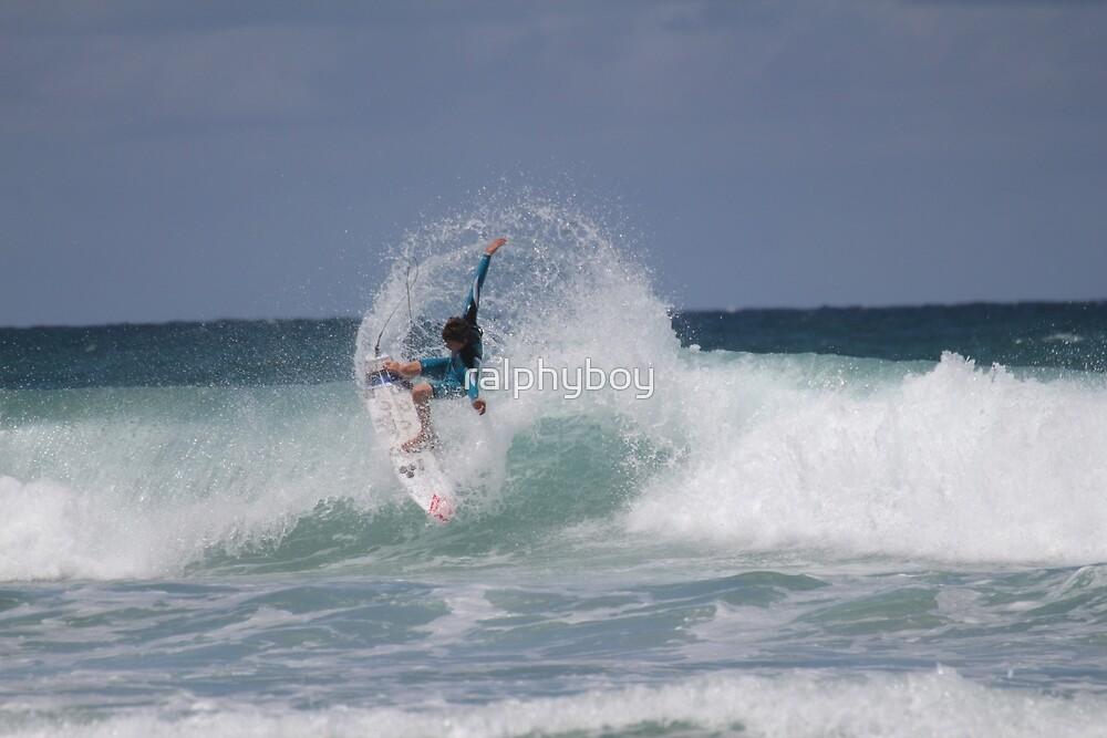 THE SURFER  by ralphyboy